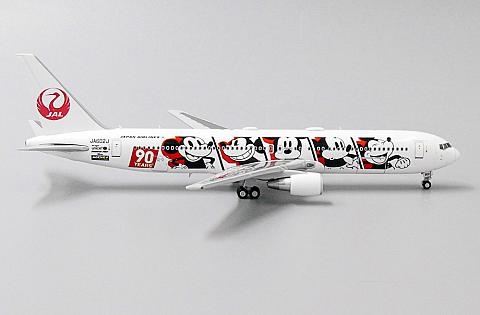 "Boeing 767-300ER ""Mickey Mouse"""