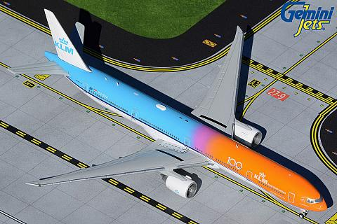 "Boeing 777-300ER ""Orange Pride"""