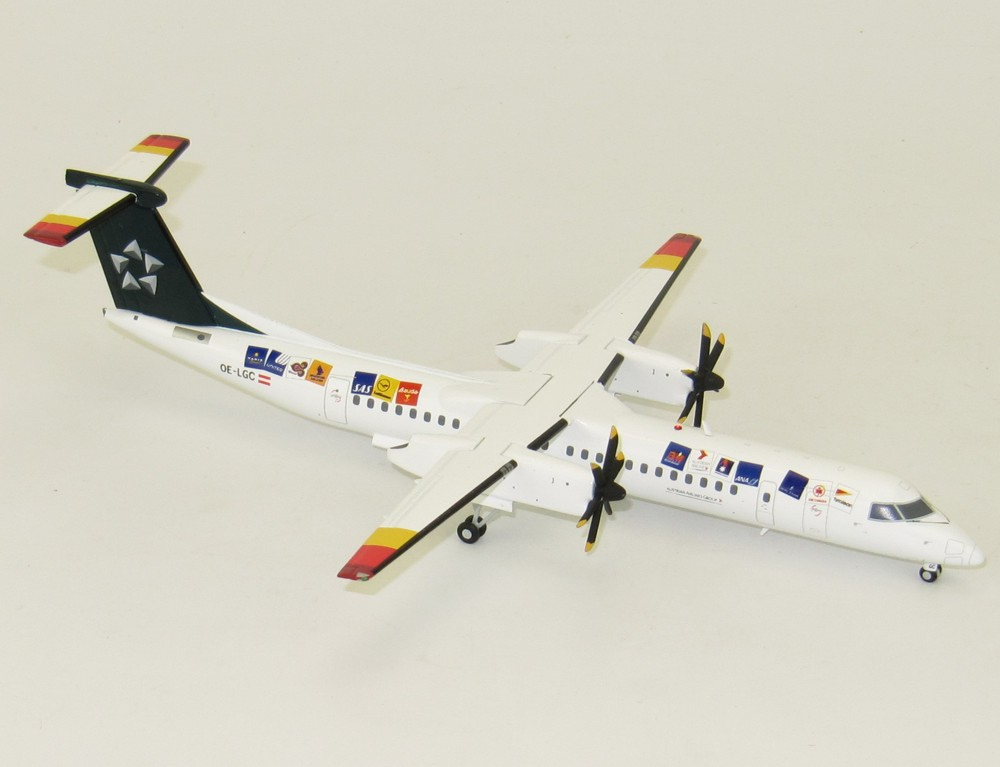 "Модель самолета  Bombardier Dash 8 Q400 ""Star Alliance"""
